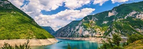 Lago Piva (jezero de Pivsko) imagens de stock