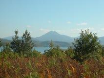 Lago Plastira no outono, Thessaly, Grécia central imagem de stock royalty free