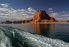 Lago Powell Colorful Cliffs e formazioni rocciose Immagini Stock