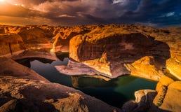 Lago Powell Utah canyon di riflessione Immagine Stock