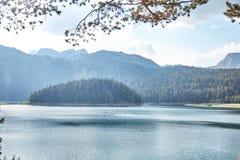 Lago preto Parque nacional de Durmitor montenegro imagem de stock royalty free