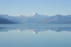 Lago Pukaki, Nueva Zelandia Imagen de archivo