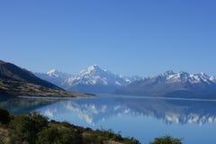 Lago Pukaki, Nueva Zelandia Foto de archivo libre de regalías