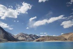 Lago puro del agua de la turquesa Imagen de archivo