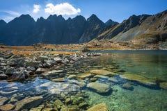 Lago puro della montagna Immagini Stock