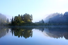 Lago in Pyrenees Immagini Stock