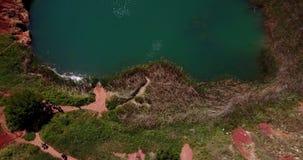 Lago quarry de la bauxita en Otranto, Italia metrajes