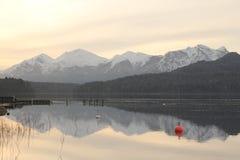 Lago quieto no Patagonia Argentina Imagens de Stock