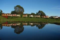 Lago relected cabina Immagini Stock Libere da Diritti