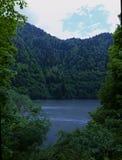 Lago Rica en Abjasia Imagenes de archivo