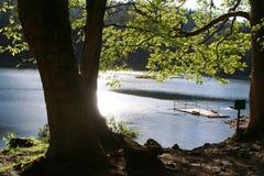 Lago riservato della montagna fotografie stock