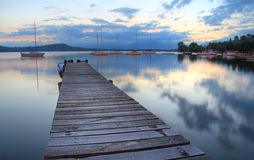Lago rispecchiato Fotografia Stock