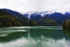 Lago Ritsa na Abkhásia Foto de Stock Royalty Free