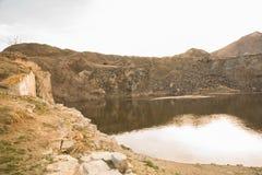 Lago in roccia Fotografie Stock Libere da Diritti