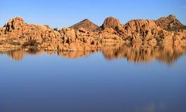 Lago rocoso Fotos de archivo