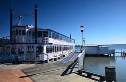 Lago Rotorua steamboat En alguna parte en Nueva Zelandia Imagen de archivo