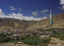 Lago sacro Nako nel deserto ad alta altitudine della montagna dell'Himalaya Immagini Stock