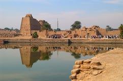 Lago sagrado en el templo de Karnak fotos de archivo libres de regalías