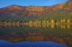 Lago saint Anne en el otoño 4 Imágenes de archivo libres de regalías