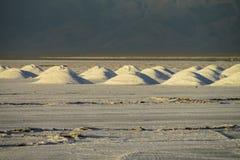 Lago salt Platone, pieghe su Salar fotografia stock libera da diritti