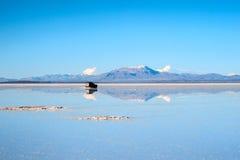 Lago salt - Salar de Uyuni in Bolivia Immagini Stock