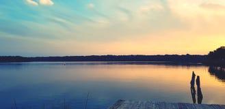 Lago saltwater al tramonto immagini stock libere da diritti