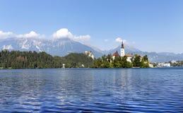 Lago sangrado con la iglesia del St Marys Imagen de archivo libre de regalías