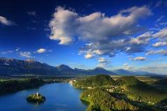 Lago sangrado em Slovenia fotos de stock