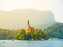 Lago sanguinato con l'isola e la chiesa fotografia stock libera da diritti