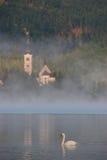 Lago sanguinato nella foschia Fotografia Stock Libera da Diritti