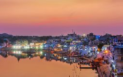 Lago santo al tramonto, India Pushkar Fotografia Stock