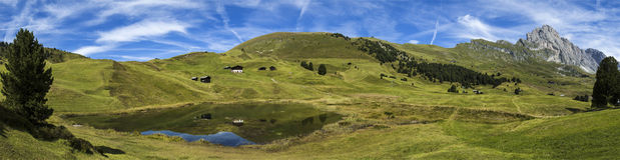 Lago santo e il Odle, dolomia - Italia Fotografie Stock Libere da Diritti