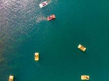 Lago Sapanca en Sakarya/Turquía/Pedalo imagenes de archivo