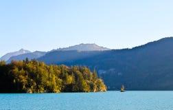 Lago, scogliere e montagne Wolfgangsee fotografia stock