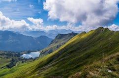 Lago Seealpsee nelle alpi di Allgau qui sopra di Oberstdorf, Germania Fotografia Stock Libera da Diritti