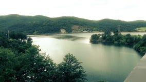 Lago serbo e bello paesaggio archivi video