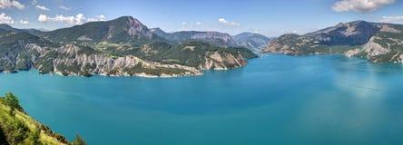 Lago Serre-Poncon - Alpes - França Fotografia de Stock Royalty Free