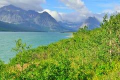 Lago Sherburne in Glacier National Park Immagine Stock