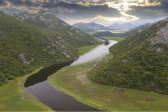 Lago skadar con el barco en Montenegro Imagen de archivo libre de regalías