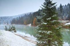 Lago Snowy Grubsee in alpi bavaresi Fotografia Stock