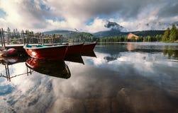 Lago Srbske Pleso en las altas montañas eslovacas de Tatra Fotografía de archivo libre de regalías