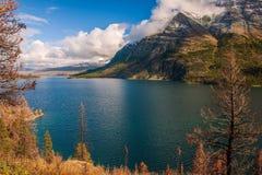 Lago St Mary Parque nacional de geleira montana EUA fotos de stock royalty free