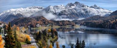 Lago St Moritz con en el otoño Foto de archivo libre de regalías