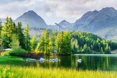 Lago Strbske Pleso in alta montagna di Tatras, Slovacchia Fotografia Stock Libera da Diritti