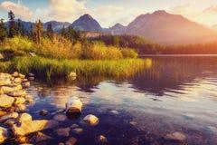 Lago Strbske Pleso in alta montagna di Tatras, Slovacchia, Europa Immagini Stock Libere da Diritti