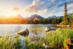 Lago Strbske Pleso in alta montagna di Tatras, Slovacchia, Europa Fotografie Stock Libere da Diritti
