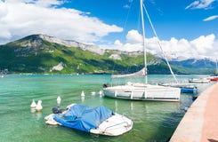 Lago stupefacente Annecy in alpi francesi, Francia Immagine Stock Libera da Diritti