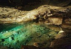 Lago subterráneo en cueva de hielo de Kungur Foto de archivo libre de regalías