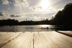 Lago sueco en campo Fotos de archivo