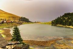 Lago sulla montagna Immagine Stock Libera da Diritti